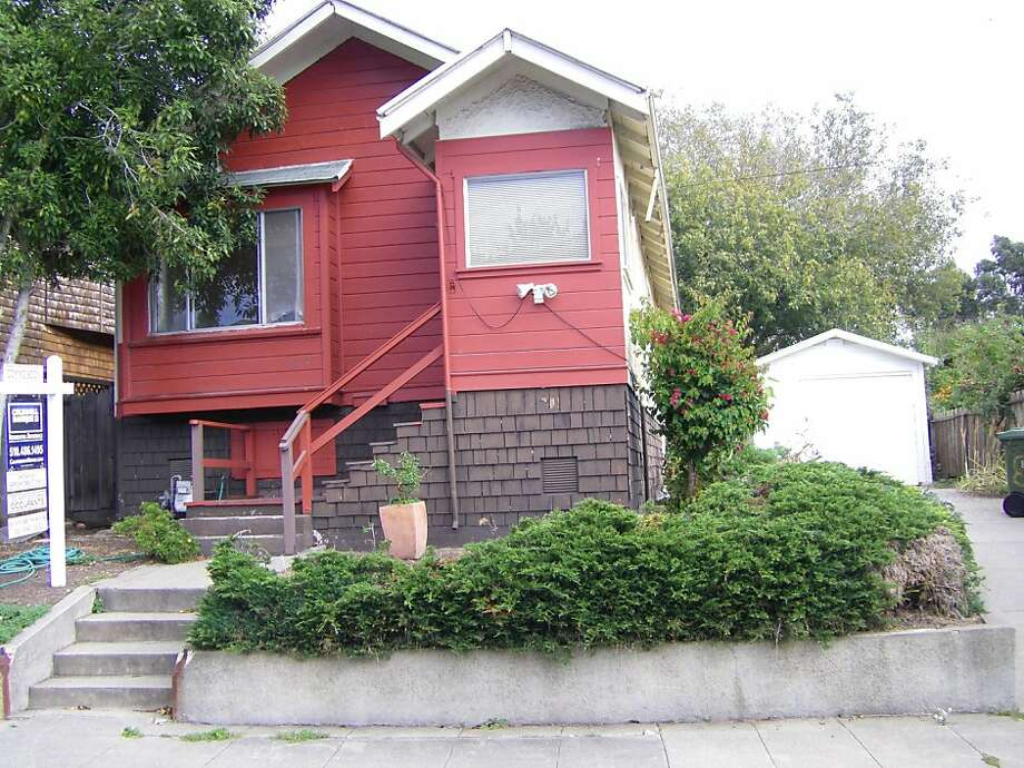 1515 Belvedere Ave., $480,000 Photo: Joan Brunswick
