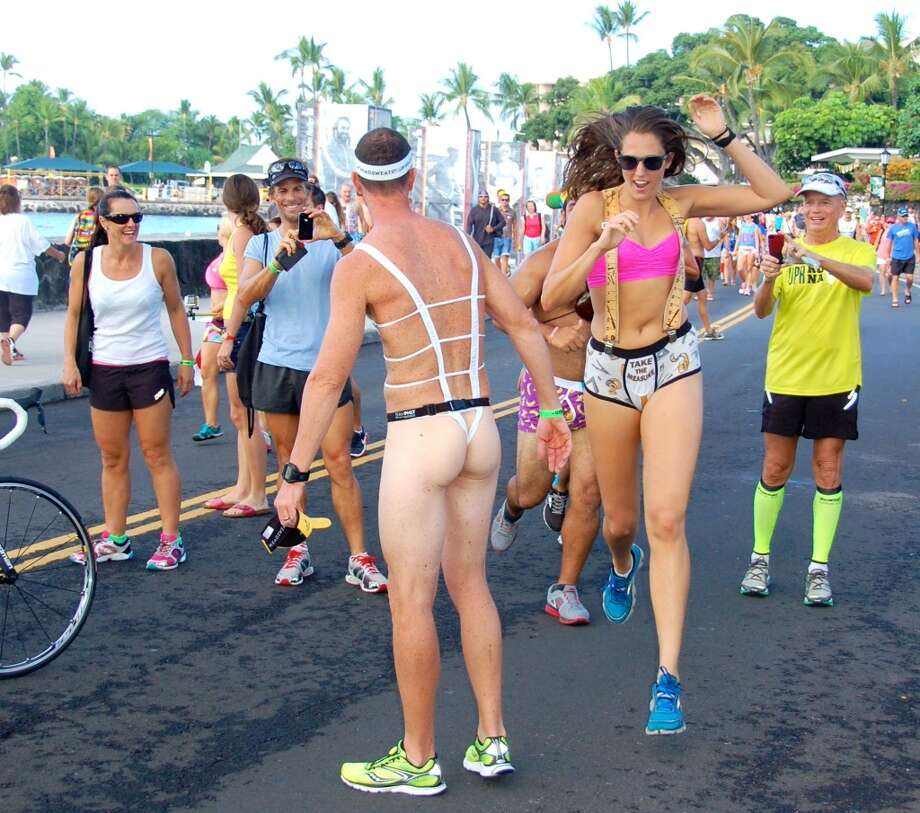 Ow my eyes: Photographers loved thong guy; fellow runners tried to steer clear. Photo: Jeanne Cooper, SFGate