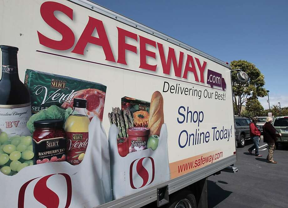 Safeway's third-quarter net income fell 58 percent, but results beat expectations, and shares rose nearly 6 percent in after-hours trading. Photo: Paul Sakuma, Associated Press