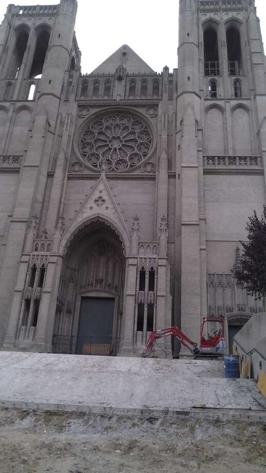All quiet as Grace Cathedral awaits its new stairs. Chronicle/Sam Whiting