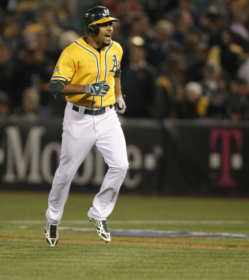 Coco Crisp: speed, power Photo: Michael Macor, The Chronicle