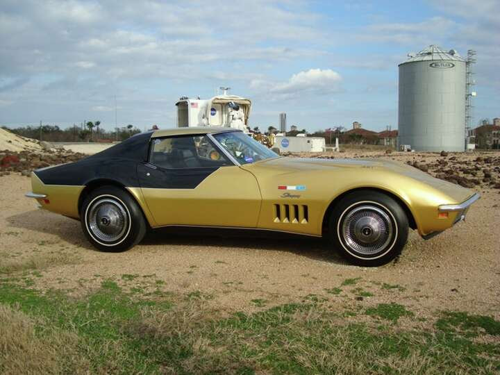 This 1969 Chevy Corvette was owned by Alan Bean, one of ...