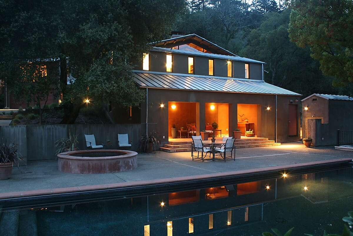 The Cloverdale home includes a pool and spa.Ê