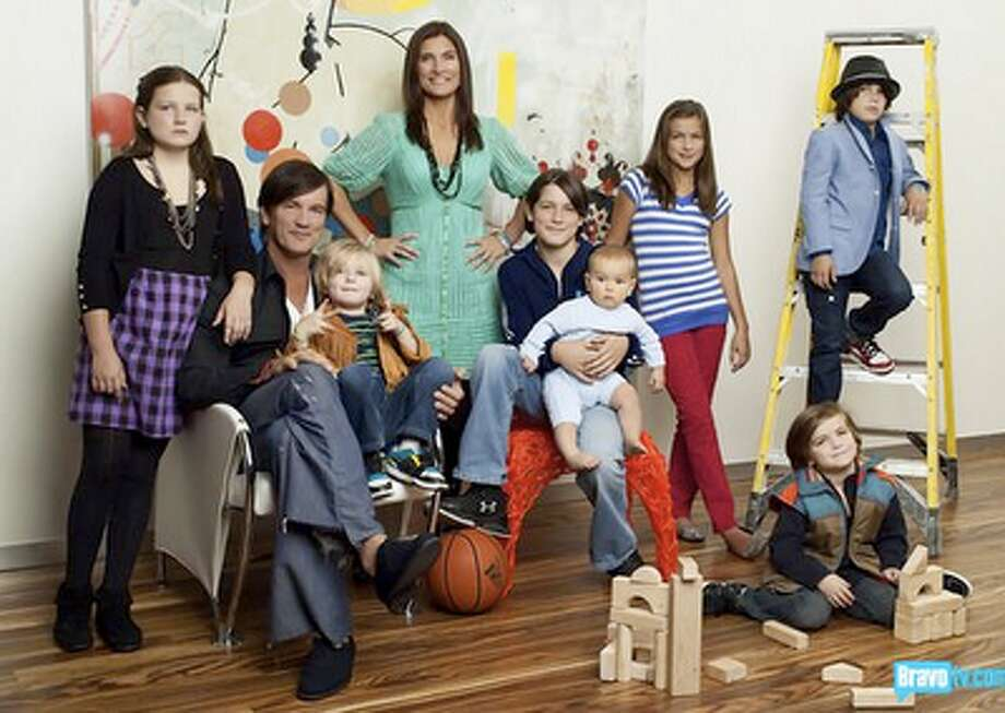 In the well-loved home design reality show '9 By Design,' the parents flip houses and constantly move, even though they have nine kids.