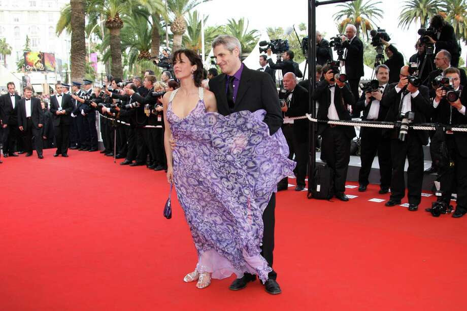 Floaty dress and windy conditions wreak havoc on French actress Sophie Marceau's red carpet pose. Photo: VALERY HACHE, AFP/Getty Images / 2006 AFP