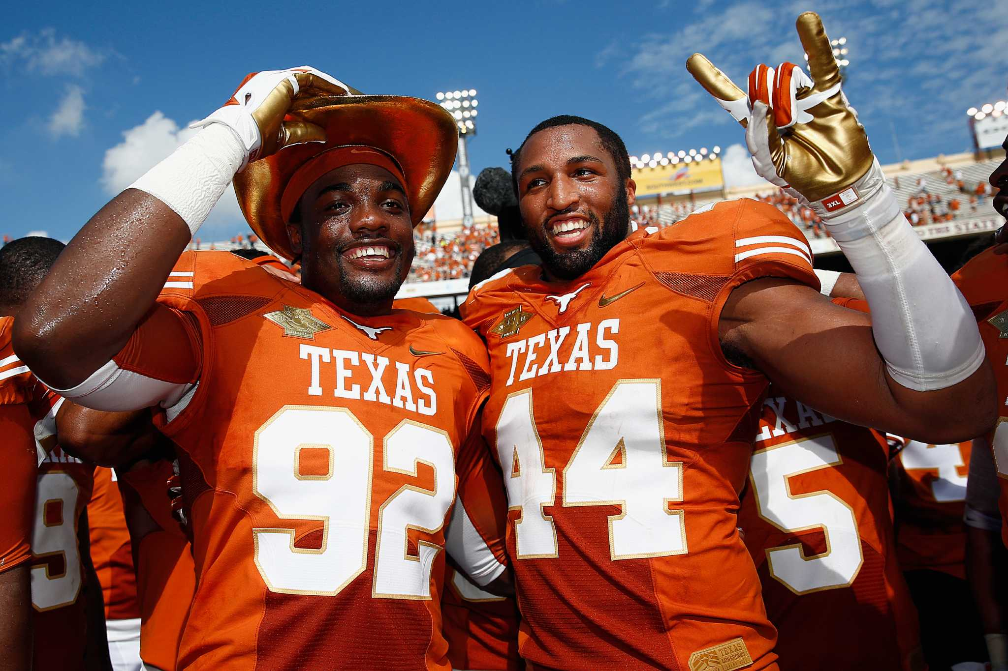 UT , OU extend rivalry game at Cotton Bowl to 2025