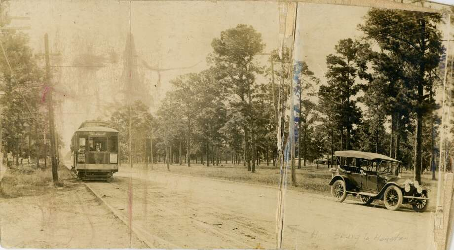 Looking west toward Houston on Harrisburg from 67th,  August 1914. The nearby townsite of Harrisburg was established in the mid-1820s by John Richardson Harris.