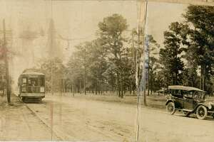Looking west toward Houston on Harrisburg from 67th. August 1914.