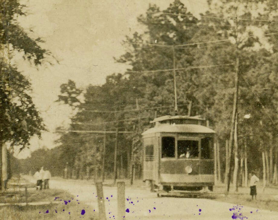 Streetcar on 67th. Photo: Chronicle File