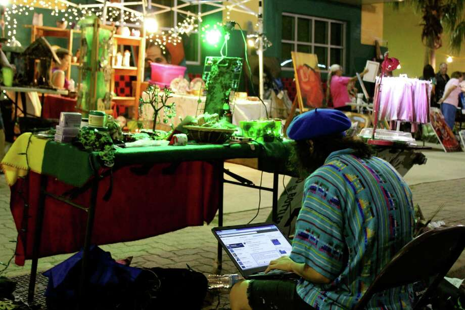 Lovers of fashion, visual art, and performance art  got it all at Una Noche en la Gloria at Plaza Guadalupe on Oct. 12, 2013. Photo: Yvonne Zamora / MySA.com