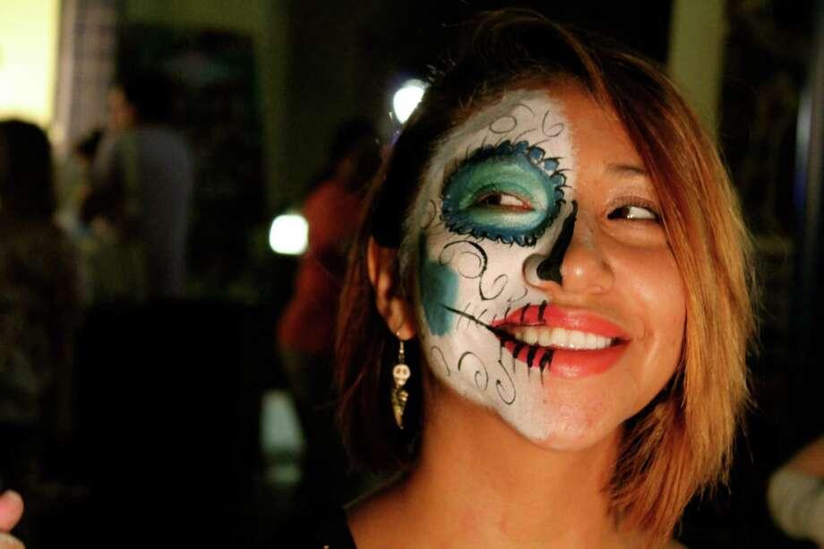 Lovers of fashion, visual art, and performance art  got it all at Una Noche en la Gloria at Plaza Guadalupe on Oct. 12, 2013. Photo: Yvonne Zamora / MySA.com
