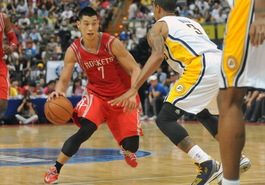 Jeremy Lin had 17 points, four assists, three rebounds, three steals and one block in 35 minutes of action in front of a pro-Lin crowd Sunday at Taipei Arena in Taiwan. Photo: Mandy Cheng, AFP/Getty Images