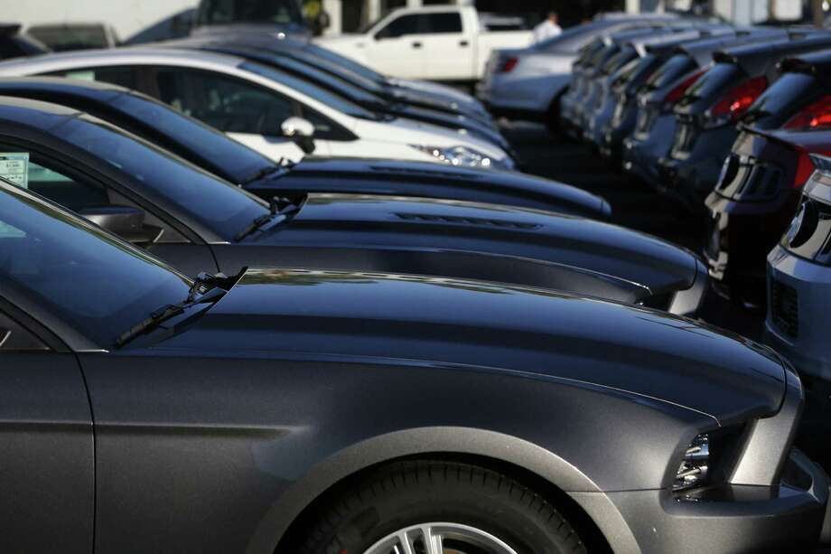 One advantage of leasing is that it allows you to get a car right away, with little financial disruption. Photo: Bloomberg File Photo