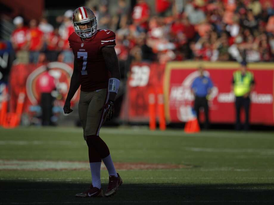 Colin Kaepernick walks off the field during a timeout in the fourth quarter. The San Francisco 49ers played the Arizona Cardinals at Candlestick Park in San Francisco, Calif., on Sunday, October 13, 2013. Photo: The Chronicle