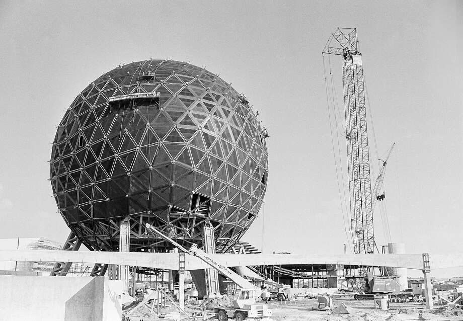October 1, 1982: EPCOT Center opens at Walt Disney World Resort. (thewaltdisneycompany.com)  Above: EPCOT Center, a vast new showplace for innovations and achievements of nations, under construction at Walt Disney World at Lake Buena Vista, Oct. in 1981. Photo: Anonymous, ASSOCIATED PRESS / AP1981