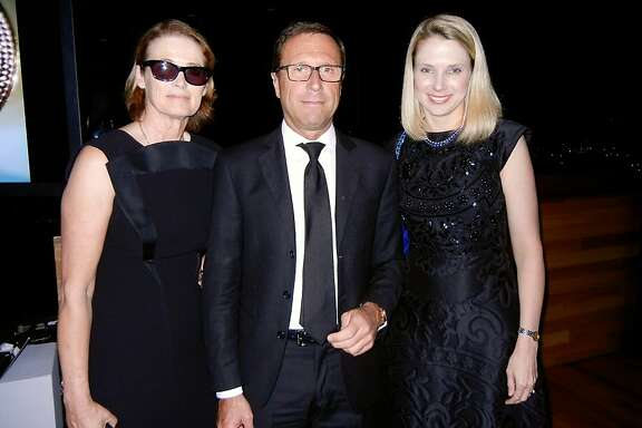 Vogue West Coast Editor Lisa Love (at left) with Bulgari North America President Alberto Festa and Yahoo CEO Marissa Mayer at the de Young Museum. Oct 2013. By Catherine Bigelow
