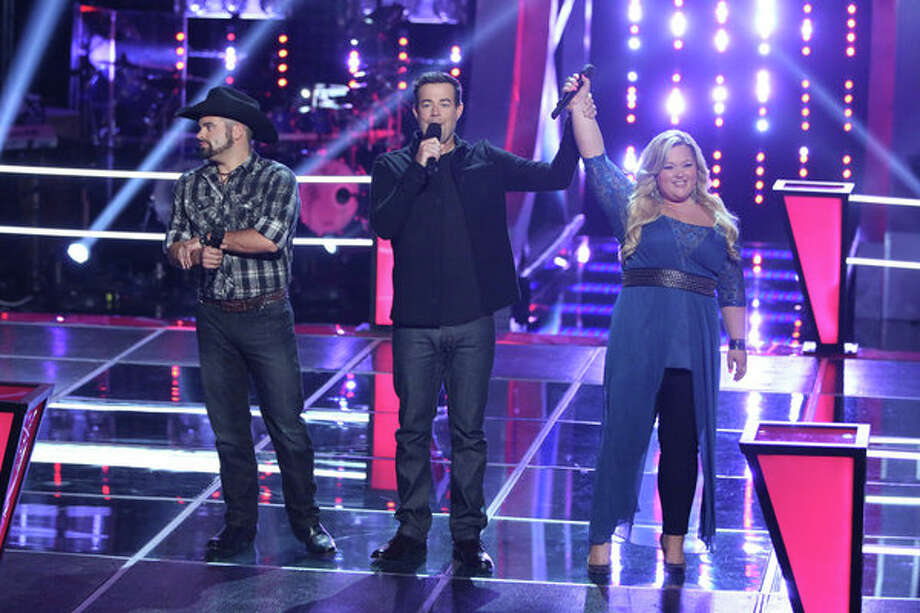 "THE VOICE -- ""Battle Rounds"" Episode 507 -- Pictured: (l-r) Justin Chain, Carson Daly, Shelbie Z. -- (Photo by: Tyler Golden/NBC) Photo: NBC, Tyler Golden/NBC / 2013 NBCUniversal Media, LLC"