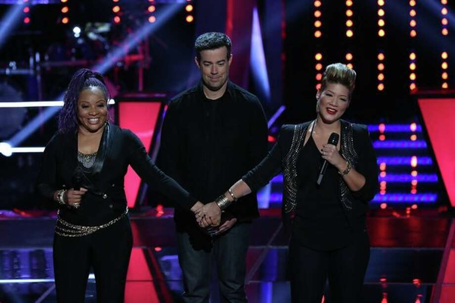 "THE VOICE -- ""Battle Rounds"" Episode 507 -- Pictured: (l-r) Donna Allen, Carson Daly, Tessanne Chin -- (Photo by: Justin Lubin/NBC) Photo: Justin Lubin/NBC / 2013 NBCUniversal Media, LLC"