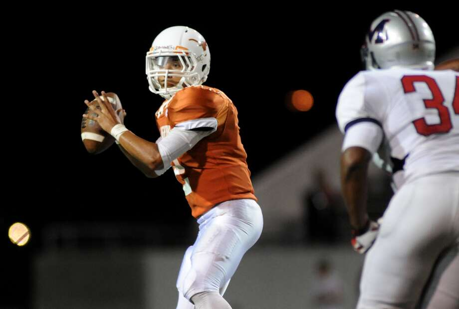 Dobie's Joe Gonzalez is in his first year starting at quarterback for the Longhorns. Photo: Jerry Baker, Freelance