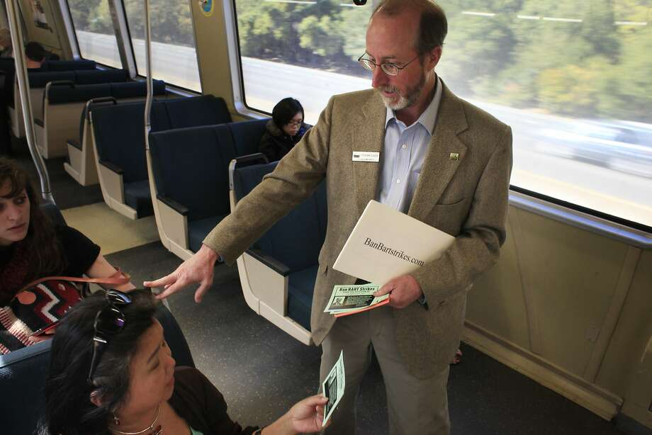 Steve Glazer met with BART riders in 2013 as he campaigned to transit strikes. Photo: Mike Kepka, The Chronicle
