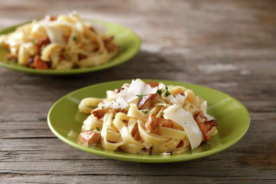 Fettuccine With Chanterelles Photo: Craig Lee / ONLINE_YES
