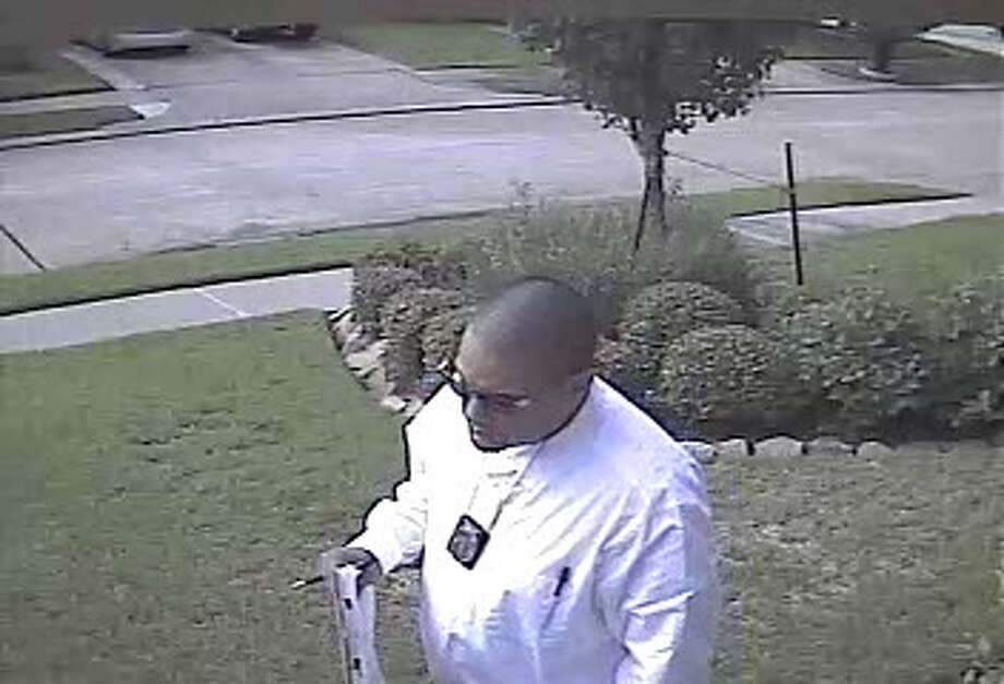Image from a security camera shows the suspects (Fort Bend County Sheriff's Office)/p>