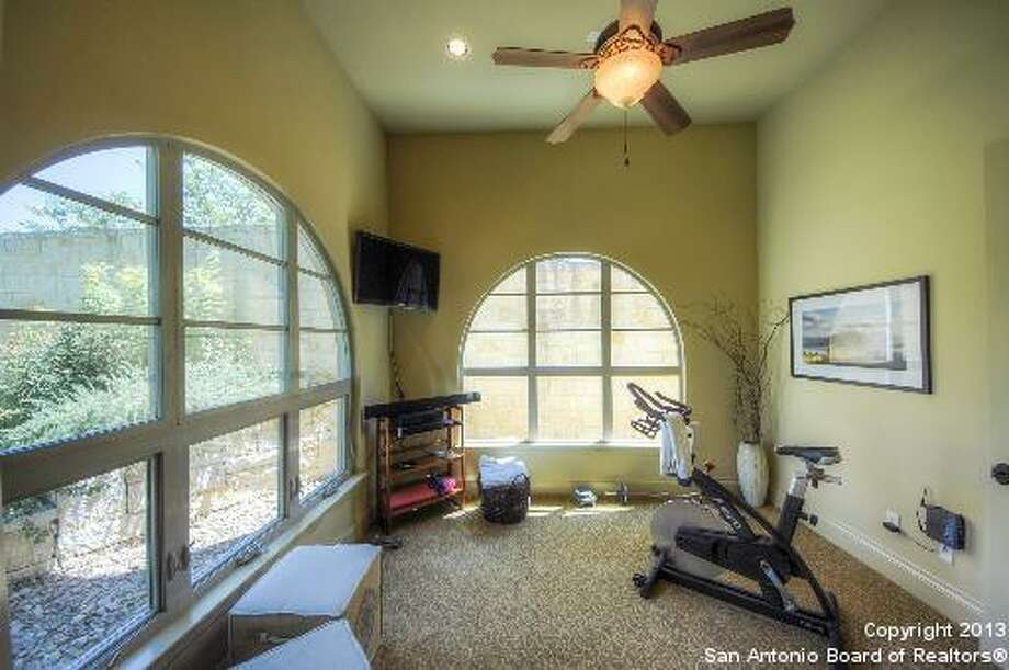 18 Montivillers San Antonio, TX 78257-1385 Photo: San Antonio Board Of Realtors