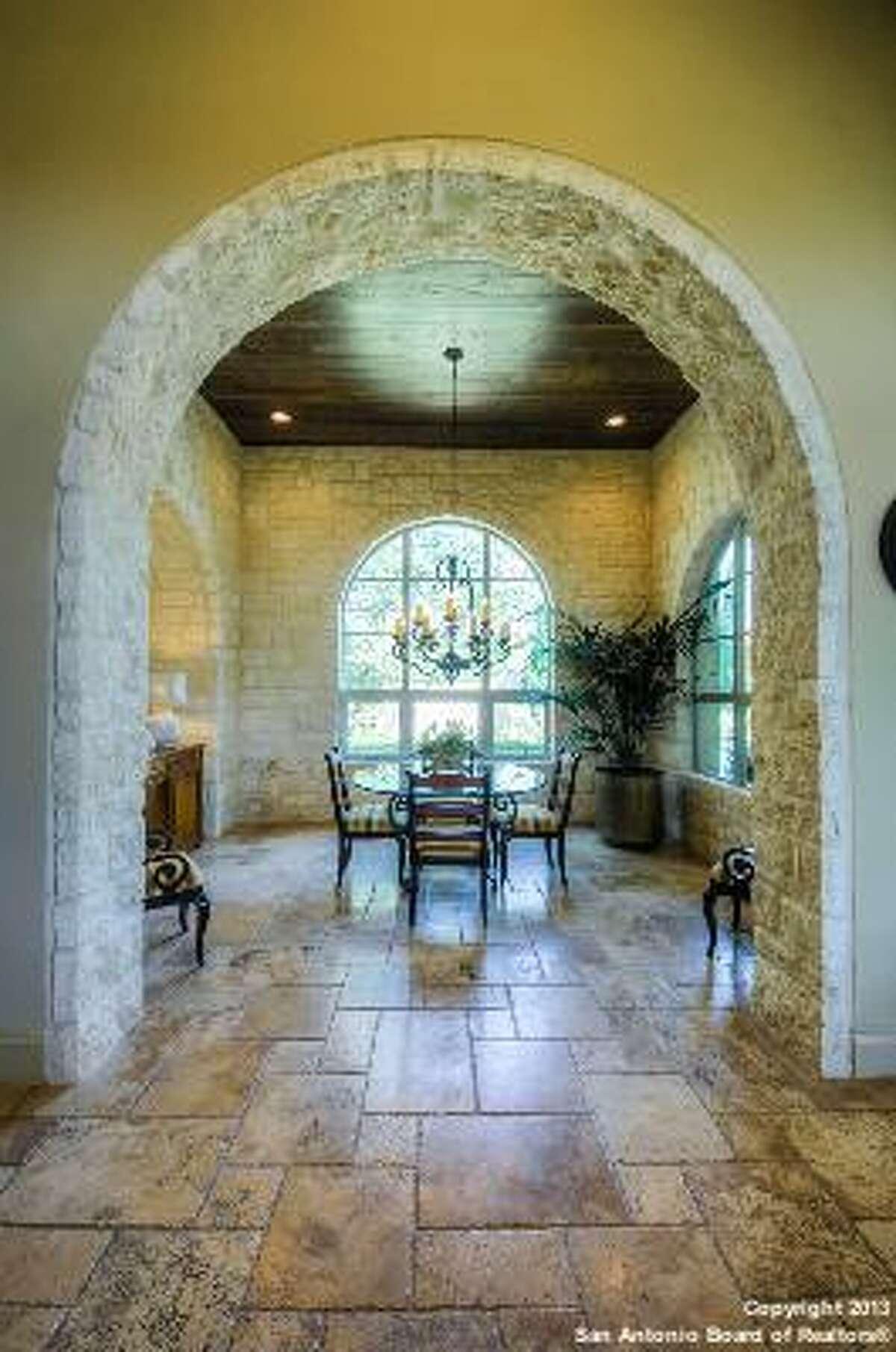 18 Montivillers San Antonio, TX 78257-1385