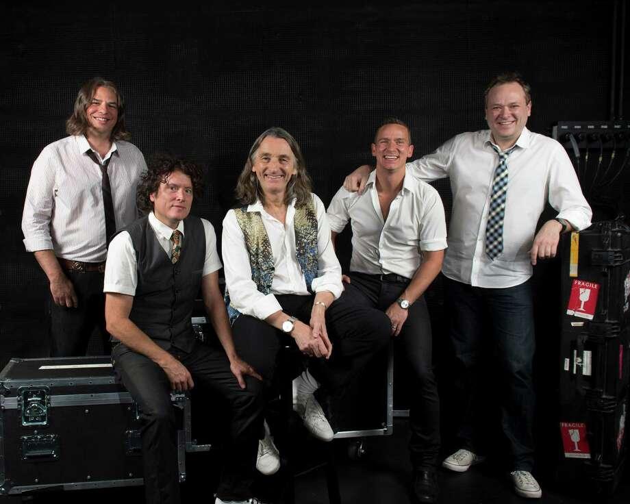 Roger Hodgson Band Photo: Brian P Tierney / bphotous.com
