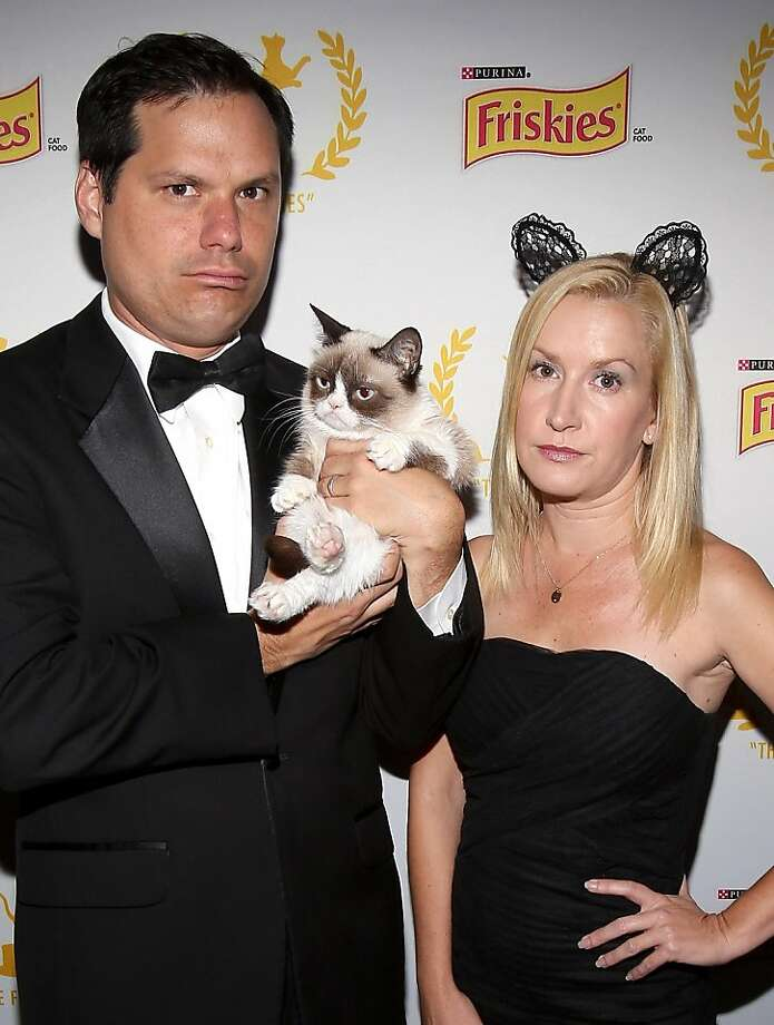 Did I shed on you? Good! At Friskies 2013, Grumpy Cat's mood rubs off on actors Michael Ian 