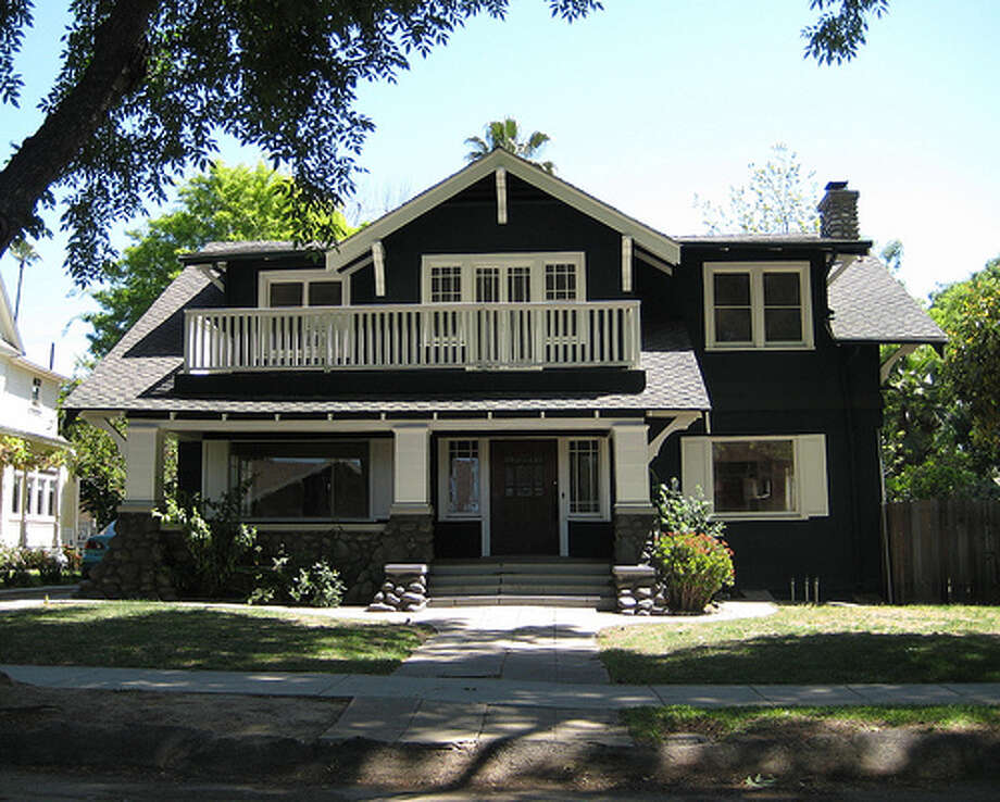 "Halloween (2007): In the remake of ""Halloween,"" director Rob Zombie used this Pasadena, California home for Michael Myers' home. In the movie, the house was painted blue, but it has since been repainted. (Photo: T. Hoffarth, Flickr) Photo: (Photo: T. Hoffarth,  Flickr)"