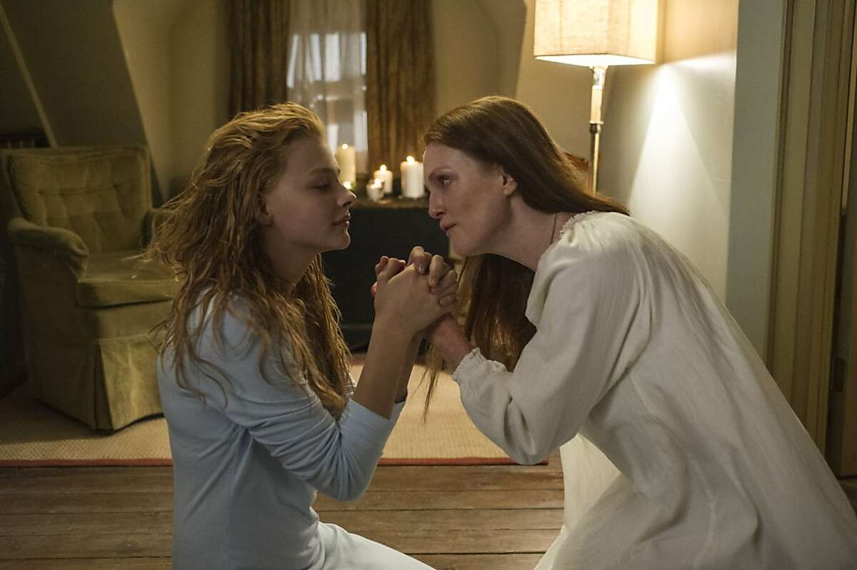 Chloe Moretz (left) and Julianne Moore star in Metro-Goldwyn-Mayer Pictures and Screen Gems' horror thriller CARRIE.