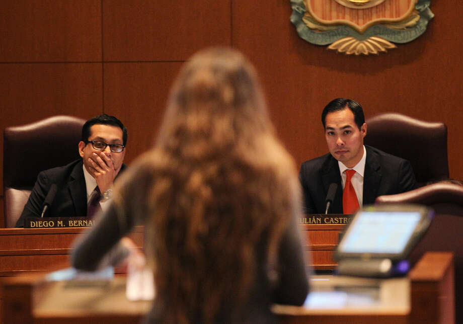 "Kelly Reid Walls, a volunteer for Homeward Bound Dog Rescue, addresses the City Council, including Councilman Diego Bernal and Mayor Julián Castro. She said a dead dog in a possible abuse case was a victim ""of ACS' failure to act in a timely manner."" Photo: Jerry Lara / San Antonio Express-News"