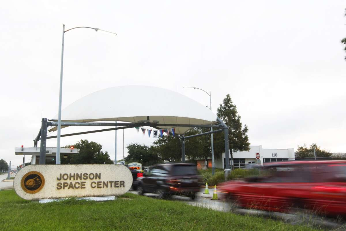 A group of NASA employees is crying foul, accusing the Johnson Space Center of censoring the use of the name of Jesus to promote a praise and worship meeting group in a daily email newsletter.