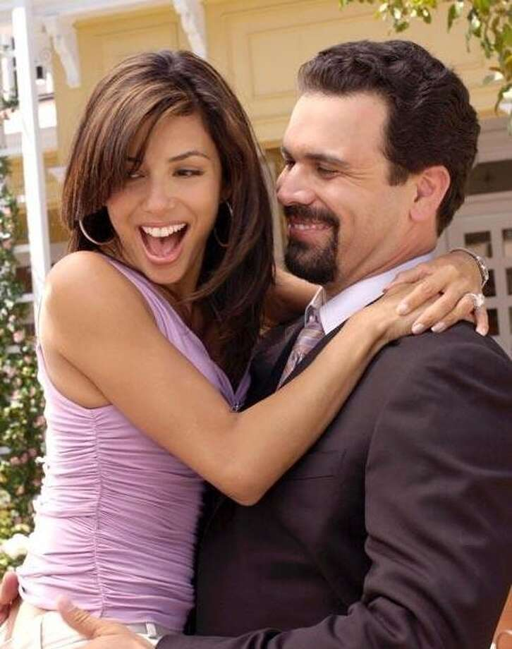 Eva Longoria reunites with 'Desperate' hubby Ricardo Chavira on tonight's episode of 'Welcome to the Family.' Photo: ABC