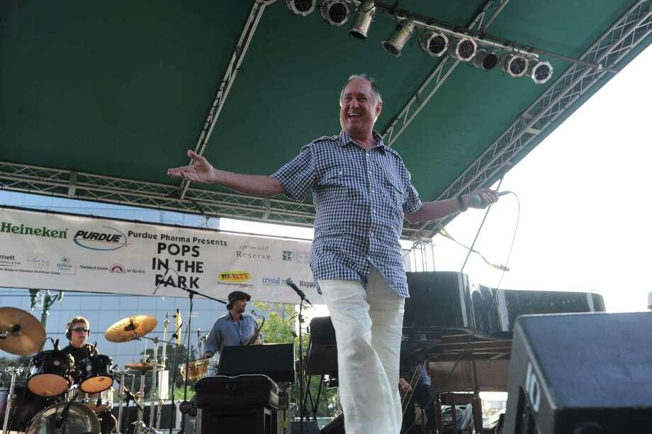 "Neil Sedaka opens ""Pops in the Park"" concert series in Columbus Park Wednesday, July 7, 2010. Photo: Keelin Daly / Stamford Advocate"