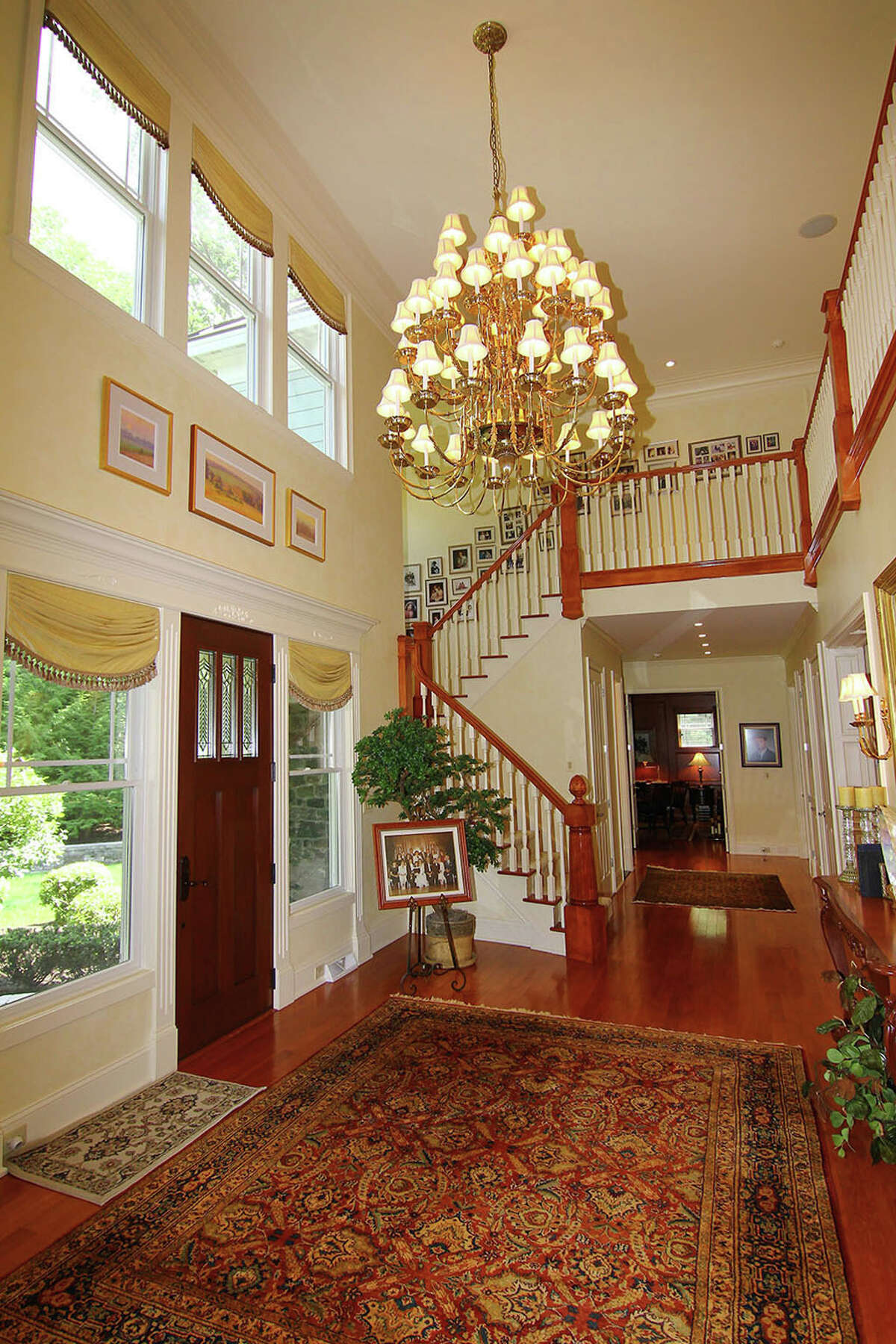 House of the Week: 31 Schuyler Hills Rd., Colonie | Realtor: Jeanne Fitzgerald at Coldwell Banker Prime Properties | Discuss: Talk about this house