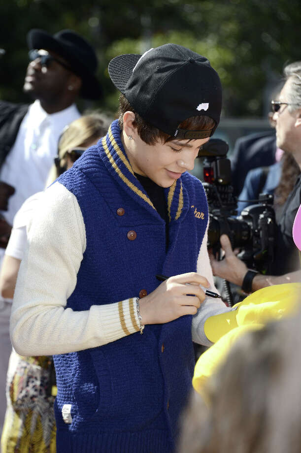 Singer Austin Mahone arrives at Nickelodeon's 26th Annual Kids' Choice Awards at USC's Galen Center on March 23, 2013 in Los Angeles. Photo: Frazer Harrison, Getty Images For KCA / 2013 Getty Images