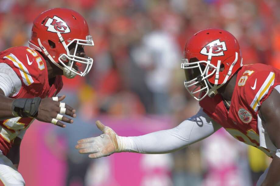 Houston (2-4) plus-6 at Kansas City (6-0): Chiefs 20-17 Photo: Reed Hoffmann, Associated Press