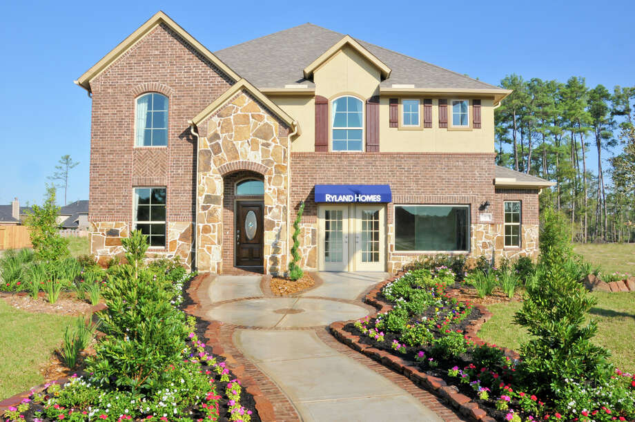 "Now in its final weekends, the ""Biggest Open House in History"" event showcases more than 50 quick move-in homes and townhomes in Summerwood and Eagle Springs, two wooded communities in the Humble school district. / 2011 FrenchBlue Photography"