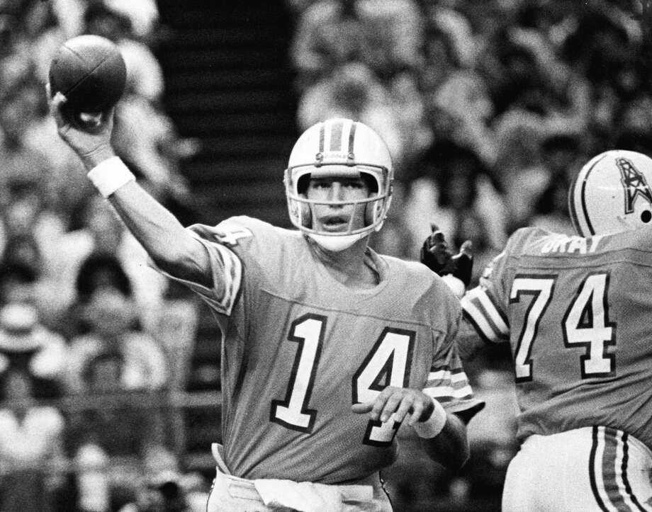 Gifford NielsenYear: 1979 Playoff startResult: Win at Chargers 17-14Stats: 10-19 for 111 yards, 1 TD, 1 INT - 65.9 rating Photo: Sam C. Pierson, © Houston Chronicle