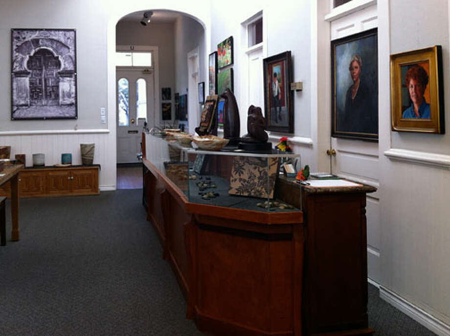Nueva Street Gallery