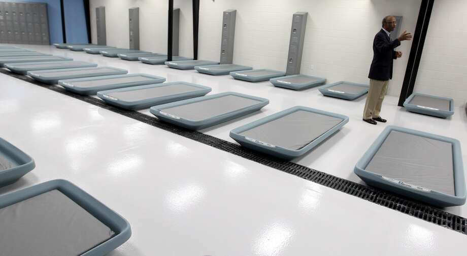 The men's side of the facility can hold a maximum of 68 people and the women's side can hold 16 people. Photo: Karen Warren, Houston Chronicle
