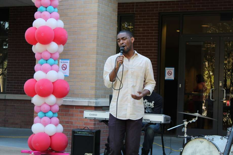 UH student crooner Princeton Miles brought soul to the event.