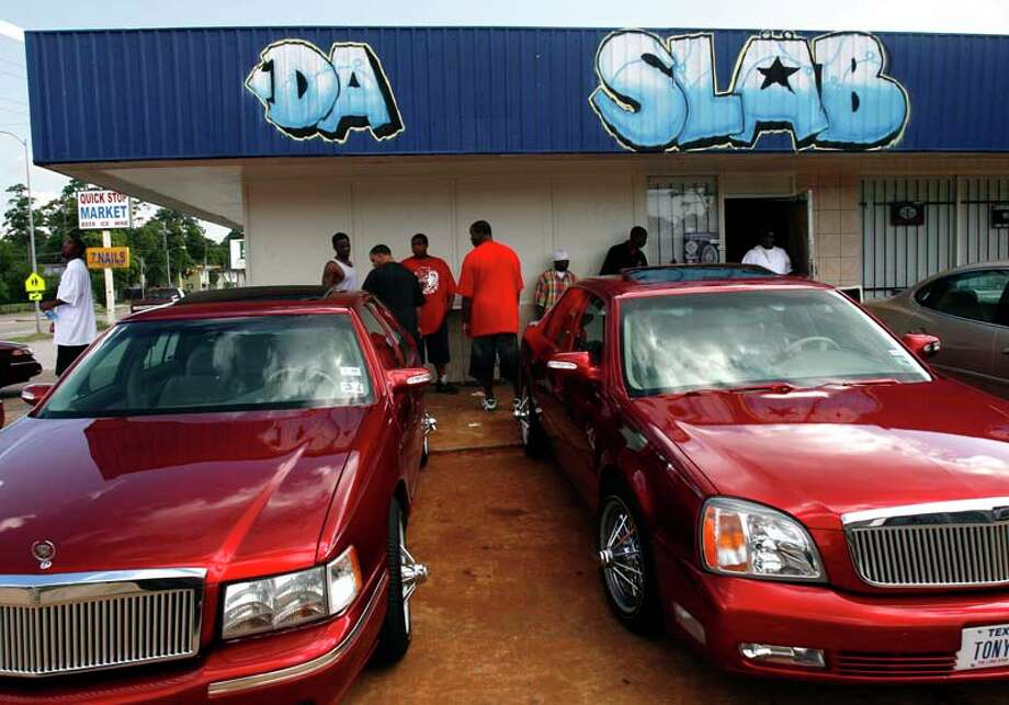 SLAB owners hang out in front of Da SLAB Spot in 2007. 