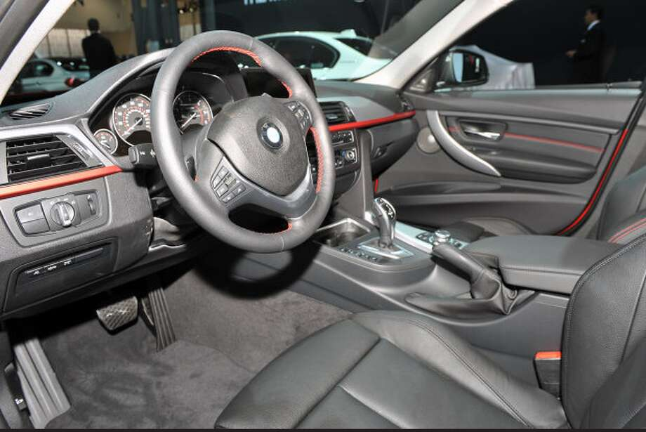 Model:  2014 BMW 328dEPA estimated 45 mpg highway fuel economy is achieved with this sedan's 2.0-liter TwinPower clean diesel powerplant, which produces 180 horsepower and 280 lb-ft torque.Source: Green Car Journal Photo: Autoblog.com