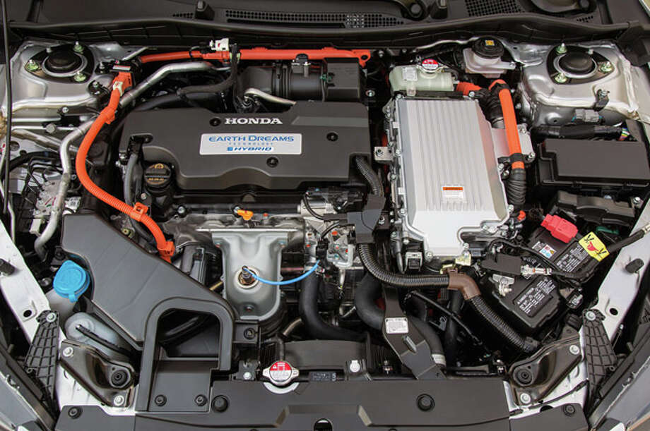 Model:2014 Honda AccordThe Plug-In also offers an EPA rating of 115 MPGe, the highest of any mid-size hybrid sedan in the country.Source: Green Car Journal Photo: Honda, Autoblog.com / © 2013 American Honda Motor Co., Inc.