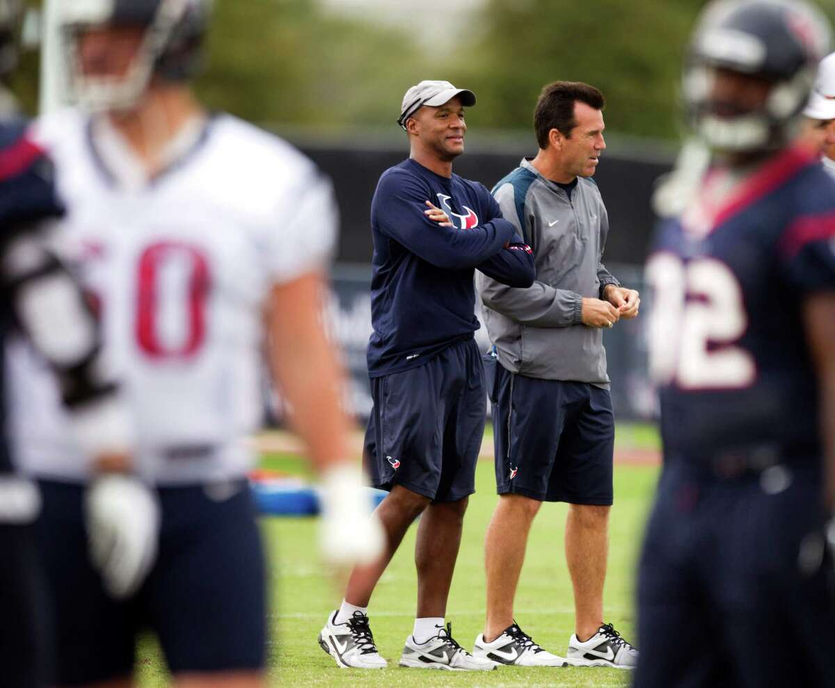 Texans quarterbacks coach Karl Dorrell, left, and coach Gary Kubiak will try to get Case Keenum into a flow early in Sunday's game.
