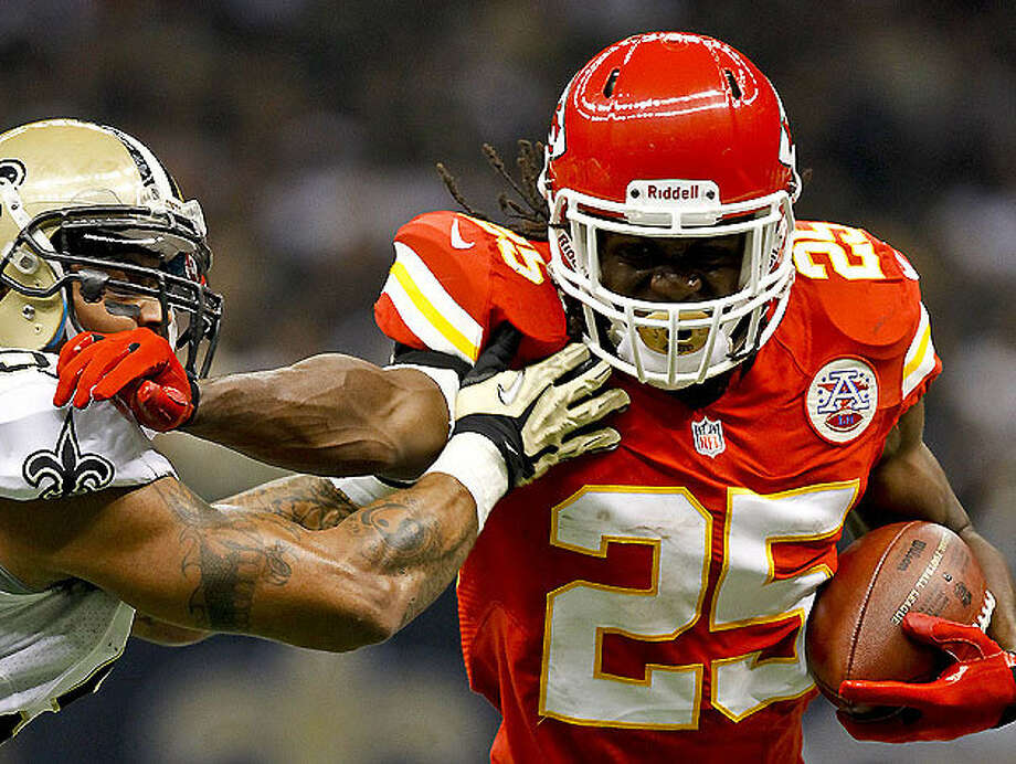 Texas-ex Jamaal Charles is key cog in Kansas City's offense.