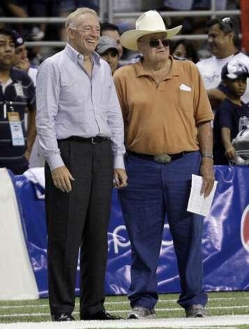 Southeast Texas Coaching Legend Bum Phillips Dies